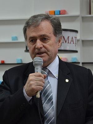 Ion Hadârcă - Image: Scriitorul și parlamentarul Ion Hadârcă (12851871573) (cropped)