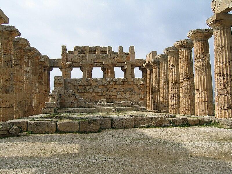 File:Selinunte-Temple E 02.JPG