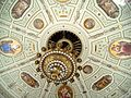 Semperoper Leuchter - panoramio.jpg