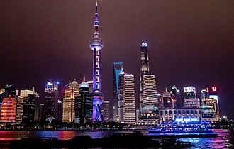Oriental Pearl Tower - Image: Shanghai Skyline from a tour boat (Pudong)