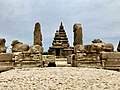 Shore Temple near Mahabalipuram-4.jpg