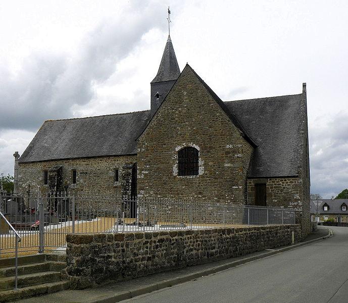 Église Notre-Dame-de-l'Assomption de Soucé (53). Flanc sud.