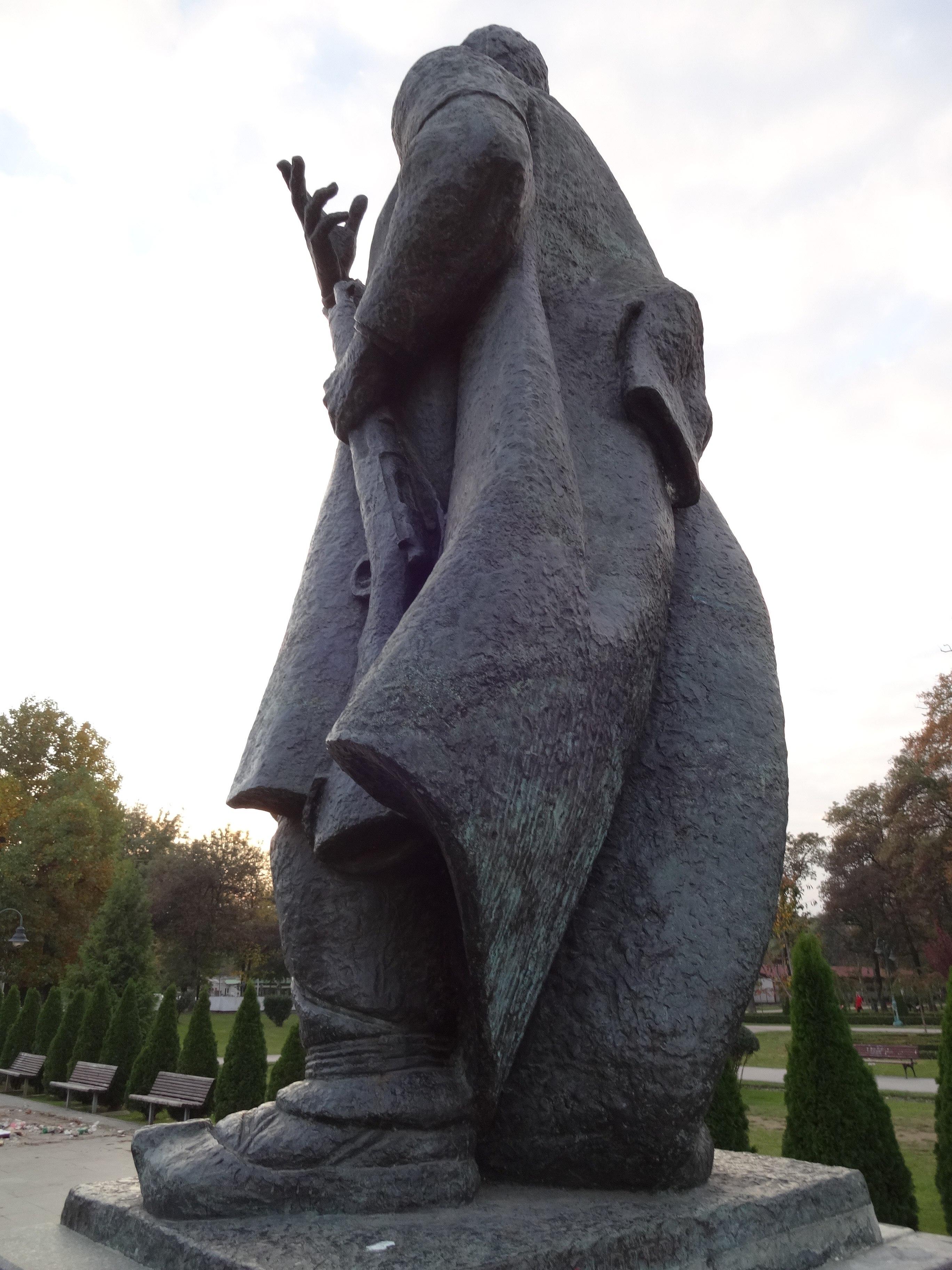 File Spomenik Na Goce Delcev Park 10 Jpg Wikimedia Commons