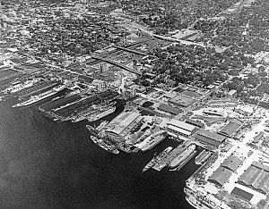 St. Johns River Shipbuilding Company - Aerial view of St. Johns River Shipbuilding Company shipyard, 1950s