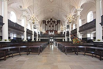 St Martin in the Fields, Trafalgar Square - West end - geograph.org.uk - 1000129.jpg