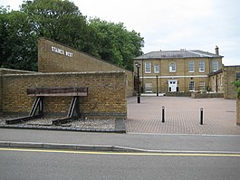 Staines West railway station.jpg