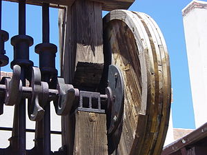 Stamp mill - Detail of Californian stamp showing offset cam and rotating lifter
