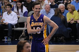 Steve Nash Lakers smiling 2013.jpg