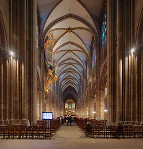 Strasbourg Cathedral nave looking east- Diliff