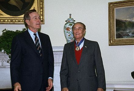 President Bush presents Senator Strom Thurmond with the Presidential Medal of Freedom in a ceremony in the Oval Office. StromThurmond GeorgeBush.jpg