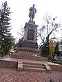 Sumy - Kharytonenko monument.jpg