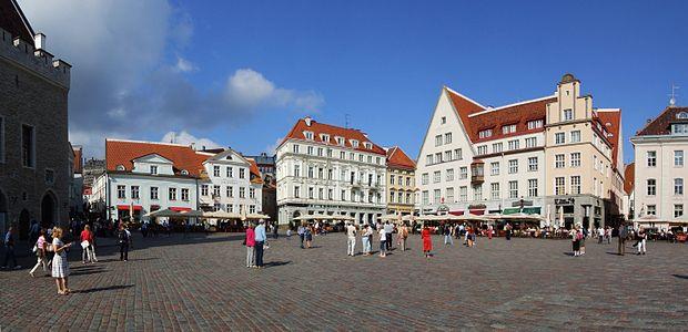 Tallinn - Town Hall Square (Raekoja plats)