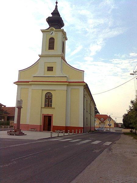 Tešedíkovo, kostol.jpg