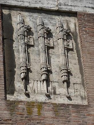 Era Fascista - A plaque with fasces on the Teatro di Marcello dated A. VII E.F.