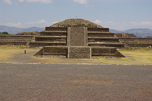 Temple of the Feathered Serpent, Teotihuacan - Image: Teotihaucan 3015