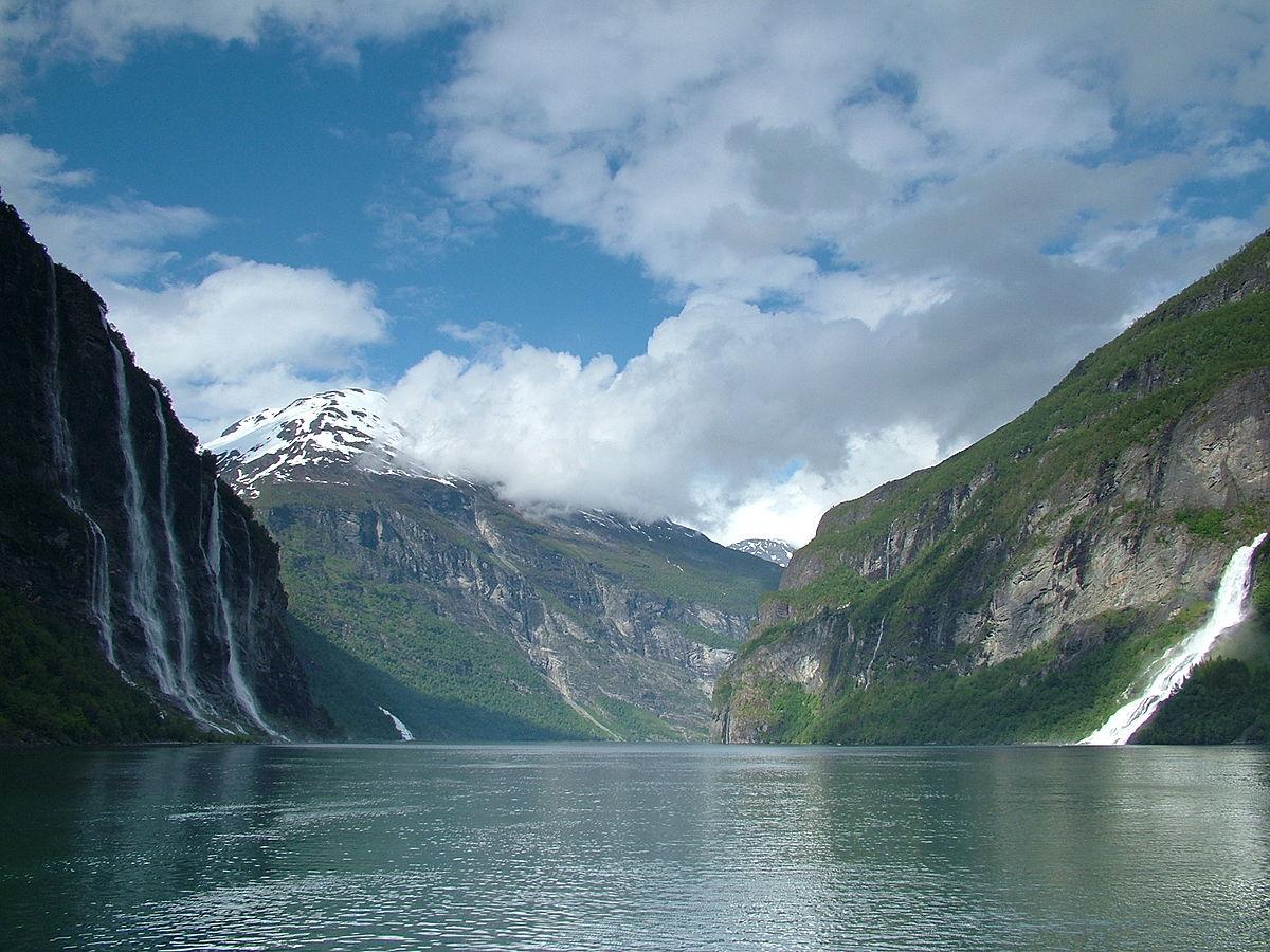 Fiordo de geiranger wikipedia la enciclopedia libre for Define scandinavian