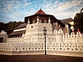 The Temple of Tooth Relic in Kandy.jpg