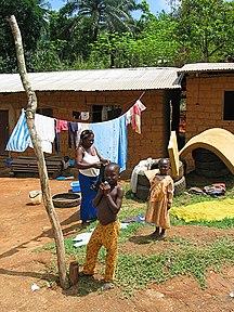 Cameroun-Demografi-Fil:Tikar family