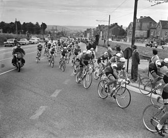 1959 Tour de France - The peloton during stage nine between Bordeaux and Bayonne