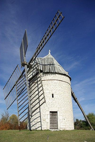 Tower windmill of Boisse (commune of Sainte-Alauzie, Lot, France).