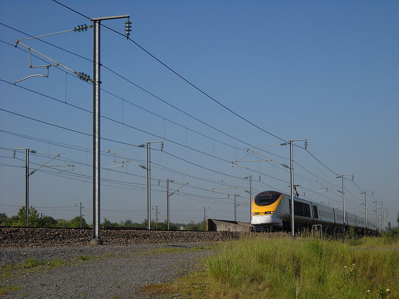 A Eurostar or TGV NOL train at the southwestern point of the Fretin triangle, on LGV Nord, in Fretin, Nord, France.