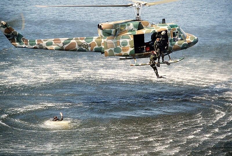 800px-UH-1N-5.jpg