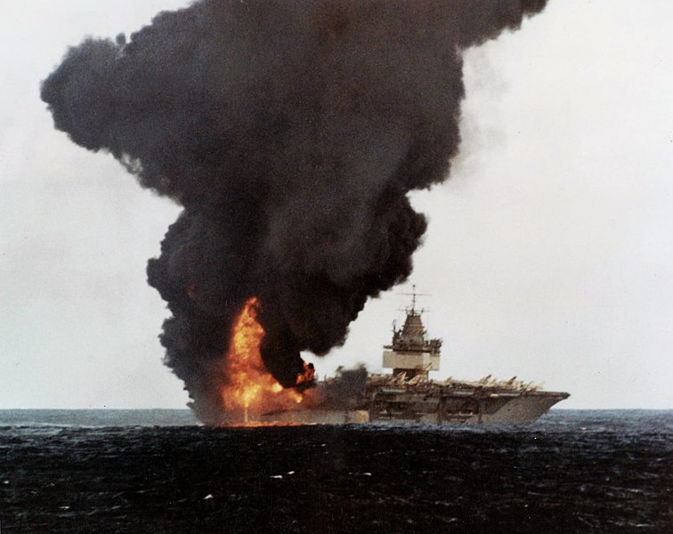 File:USS Enterprise (CVN-65) burning, stern view.jpg
