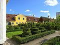 Västra Vrams prästträdgård med skolträdgården, Almogehallen och Hylla smedja i bakgrunden - Kulturen i Lund.JPG