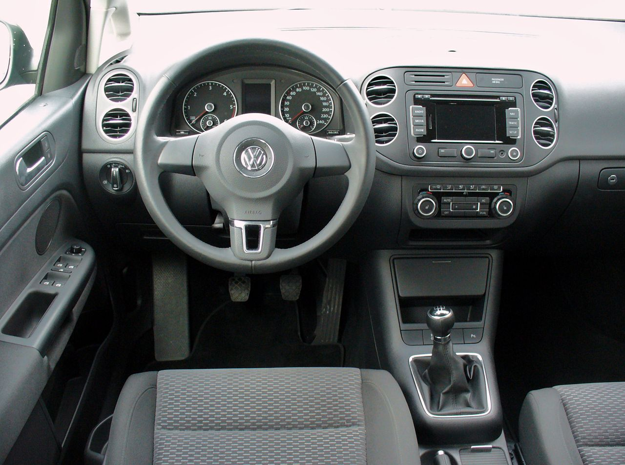 file vw golf vi plus 1 6 tdi comfortline united grey interieur jpg wikimedia commons. Black Bedroom Furniture Sets. Home Design Ideas