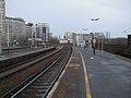 Vauxhall mainline stn platform 7 look east3.JPG