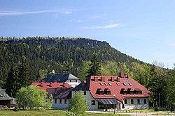 Velká Hejšovina - pohled na vyhlídkové terasy od Karlówa