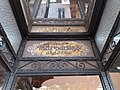 Vichy - Rue Georges Clemenceau, confiserie Aux Marocains, plaque Nos Marocains déposés, au-dessus de la porte d'entrée.jpg