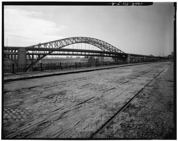 File:VIEW OF NORTHWEST CORNER OF SPAN 8, SHOWING HANDRAIL