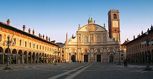 Vigevano - Piazza Ducale, with the Cathedral façade.