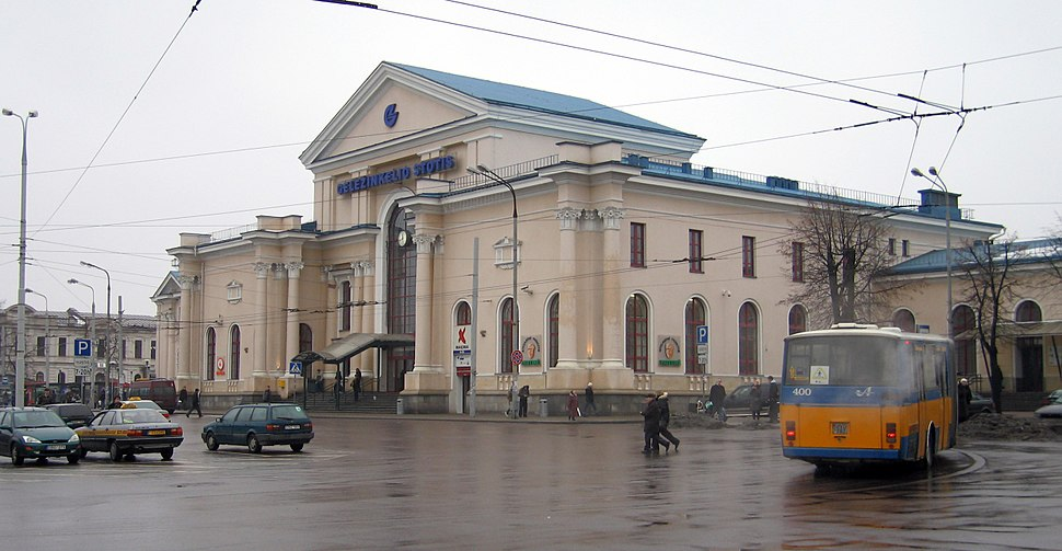 Vilnius-train-station-2009