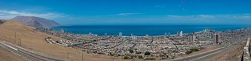 Vista de Iquique, Chile, 2016-02-11, DD 08-11 PAN.JPG