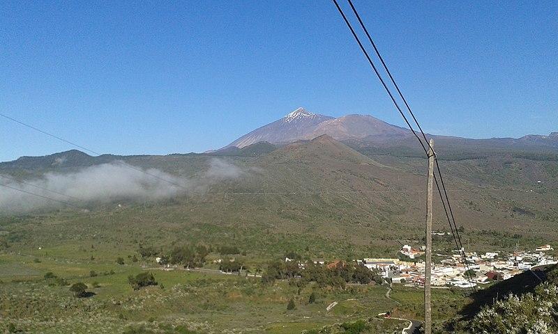 File:Vista del Teide y de Santiago de Teide desde la TF-436.jpg