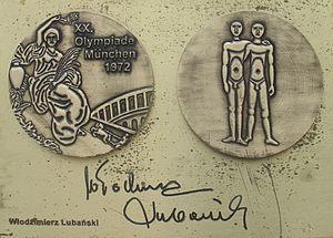 Włodzimierz Lubański - Image: Włodzimierz Lubanski medal & autograph