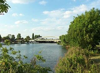 Walton Bridge road bridge