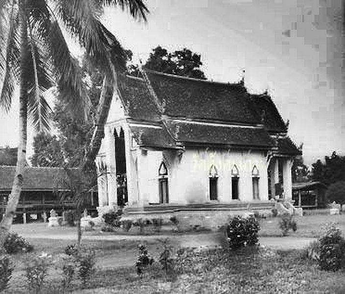 File:Wat Khung Taphao 1950.jpg