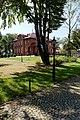 Willa, ogród od strony bramy wjazdowej.jpg