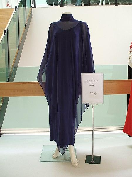 File:Willeke Alberti 1994 Nationaal Songfestival dress.jpg