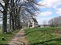 Witterschnee Kreuzweg Kirche.jpg