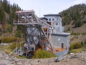 Yankee Fork gold dredge.jpg