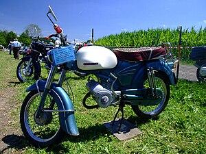 Die Zündapp Sport Combinette (Baureihe 515-004) Das geschichtsträchtige Moped 300px-Z%C3%BCndappSport-Combinette_49%2C5ccm2%2C6PS_1963