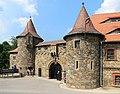 Zamek Czocha, budynek bramny i spichrz, widok od pd (2).JPG
