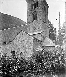 The church of Saint-Jean-Baptiste in Mayres, at the start of the 20th century