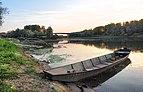 Чамац на ушћу реке Уне у Саву (Доња Градина).jpg