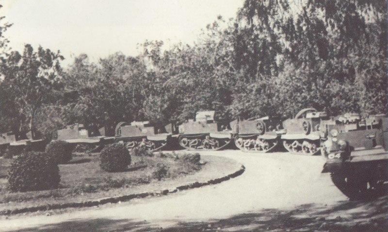 שיריוניות בריטיות בחצר יגור 1946 ארכיון ההגנה