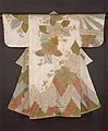 白繻子地檜垣桜模様小袖-Robe (Kosode) with Cherry Blossoms and Cypress Fence MET 1980 222.jpg
